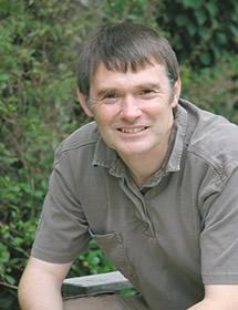 Dominic Couzens