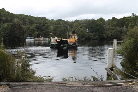 Ferry at Corinna, Tasmania (Dominic Couzens)
